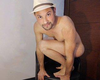 Naked RobCastor